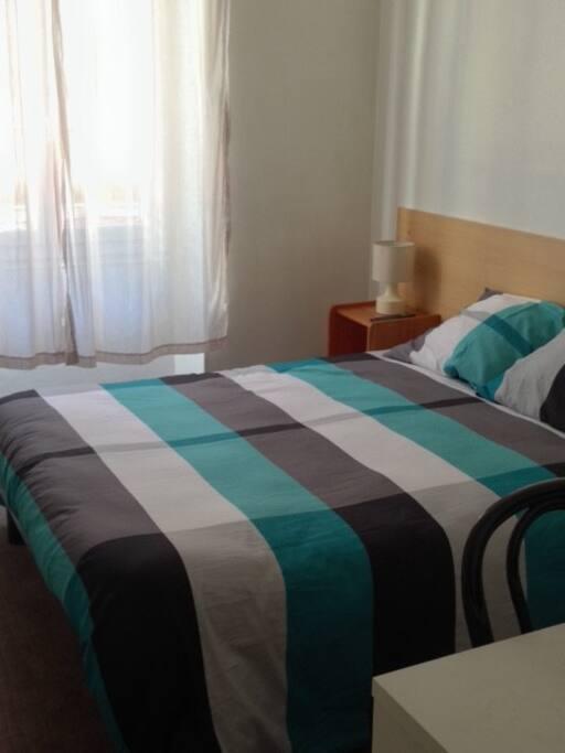 un vrai grand lit