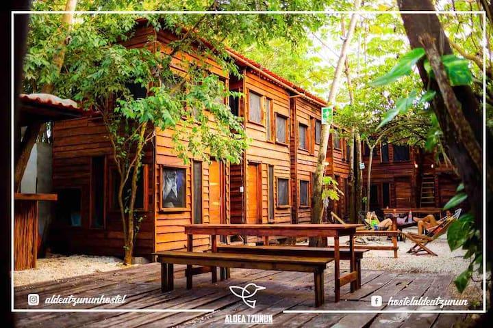 Aldea T'zunun Hostel - Amazing wood cabins -U.L
