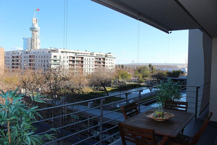 Luxury Spacious Sunny Apartment