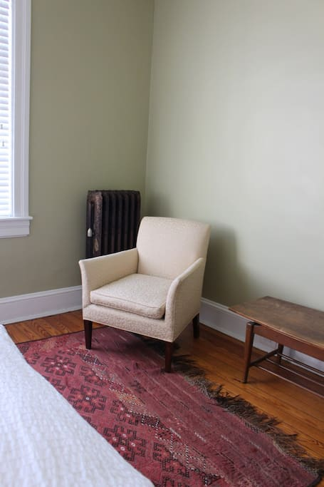 Sitting area in the guest room