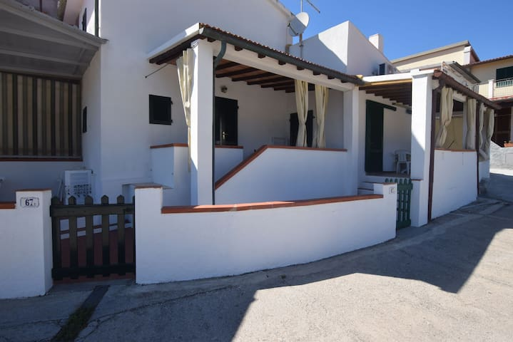 Holiday Apartment Close to the Beach with Air Conditioning; Parking Available