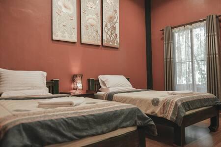清迈巧荷民宿(红色双床房)ThaiQoHo Guesthouse