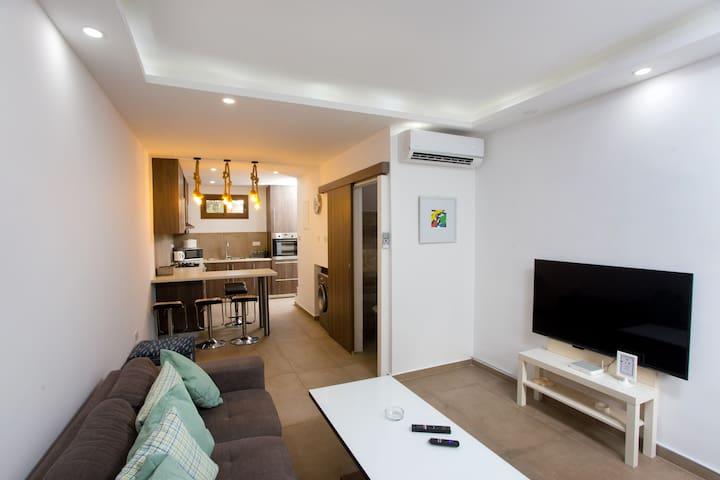 Galatex Beach Living House - WiFi, Netflix, Sea