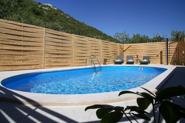 HollidayHome GalinDvor-Place to feel good-2BD,Pool