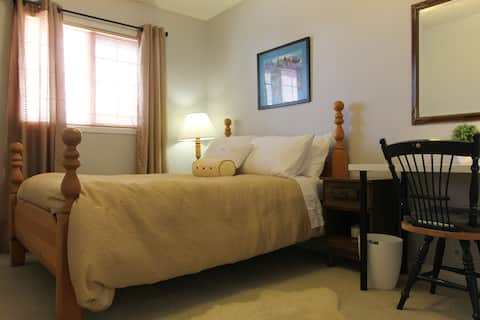 Cozy room close to Downtown & Olympic Park R2