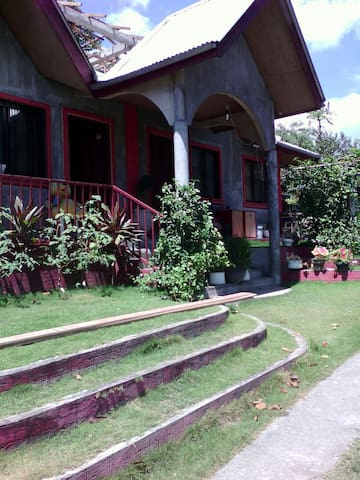 Family Home Near Anilao Batangas - Batangas - House