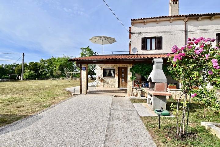 Beautiful Istrian house with big backyard