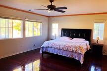 Close to Disney deluxe master bedroom.