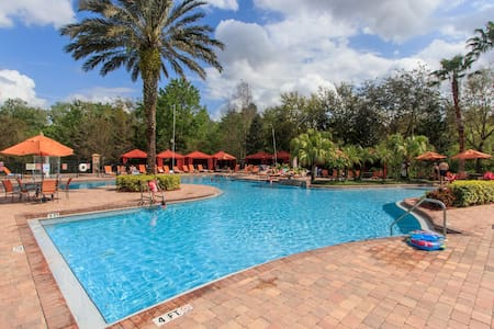 Upgraded 3br/2ba Tuscana Resort condo near Disney!