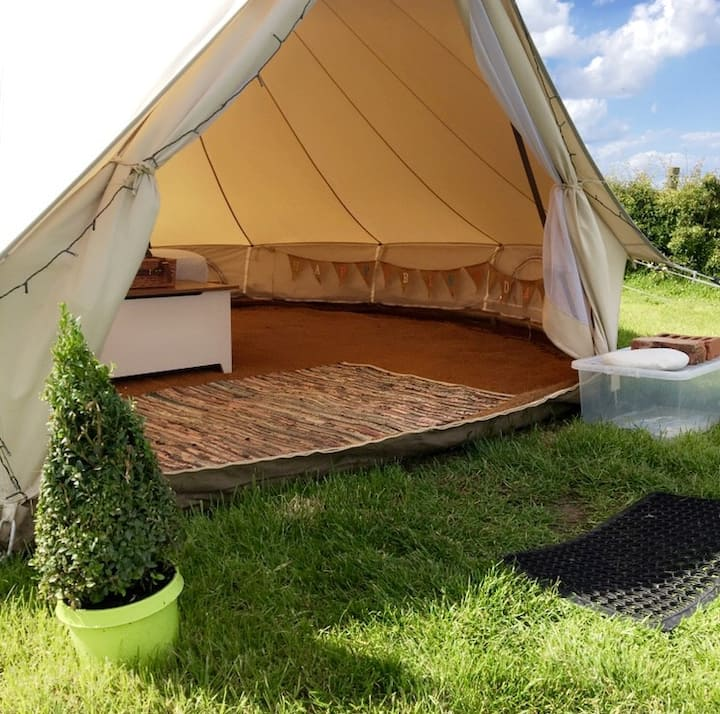 5m Glamping bell tent with stunning sea views/2