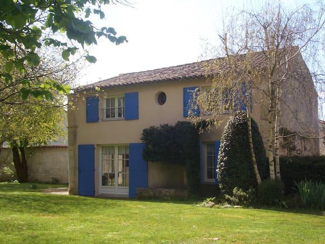LE CLOS ROCHELAIS - La Jarne - บ้าน