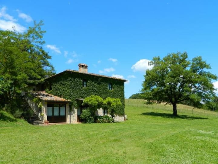 Beautiful farmhouse with private garden and pool