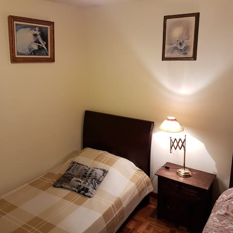 PRIVATE BEDROOM - BATHROOM. EXCELLENT LOCATION. - Bogotá - Apartemen