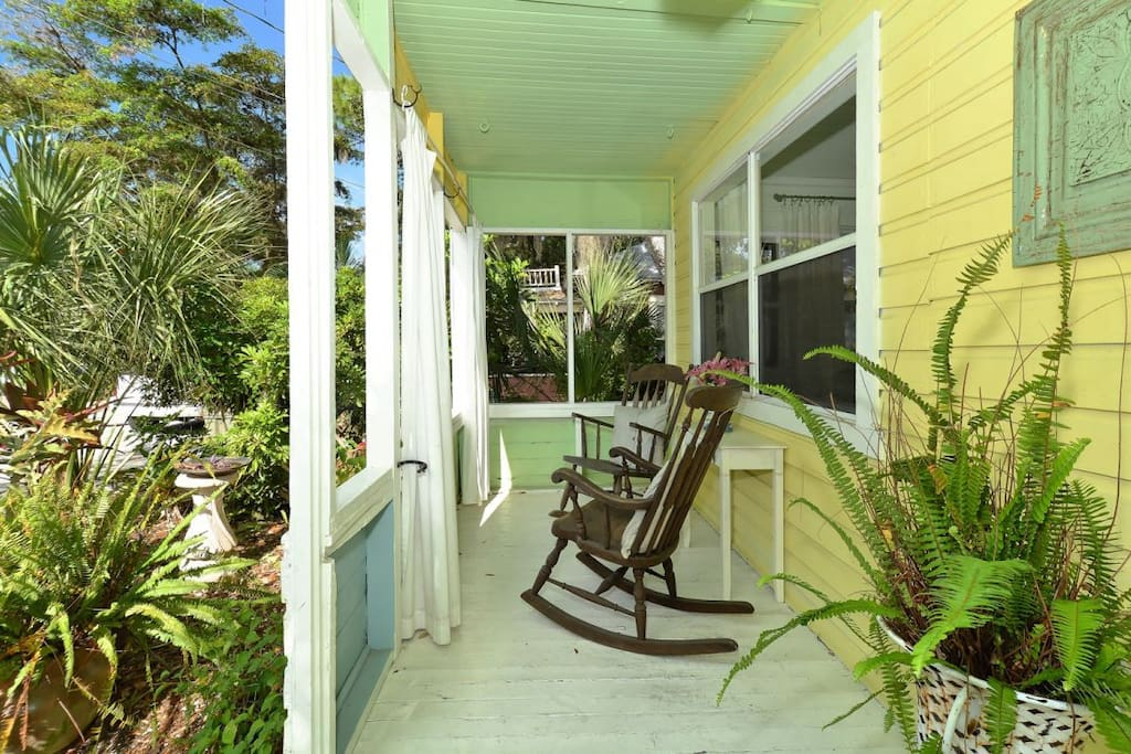 Enjoy your morning coffee of afternoon happy hour on the lovey front porch.