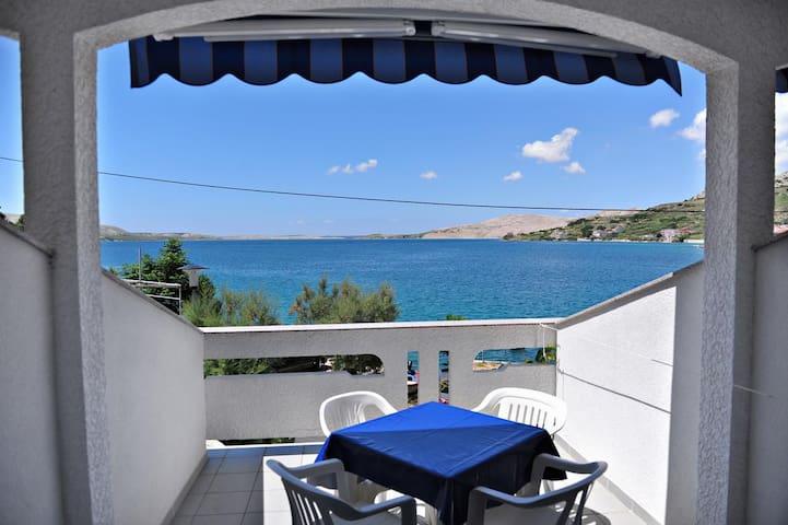 One bedroom apartment near beach Metajna (Pag) (A-10405-b)