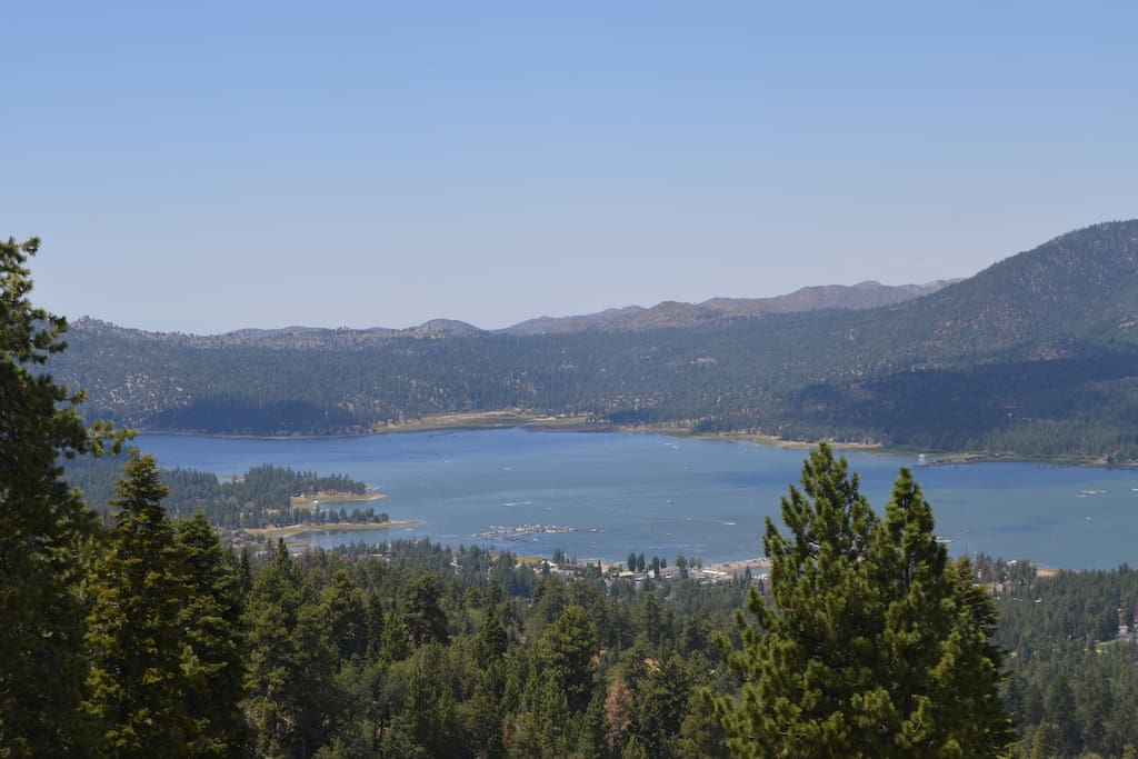 Beautiful   Big Bear Lake less than 10 minutes away