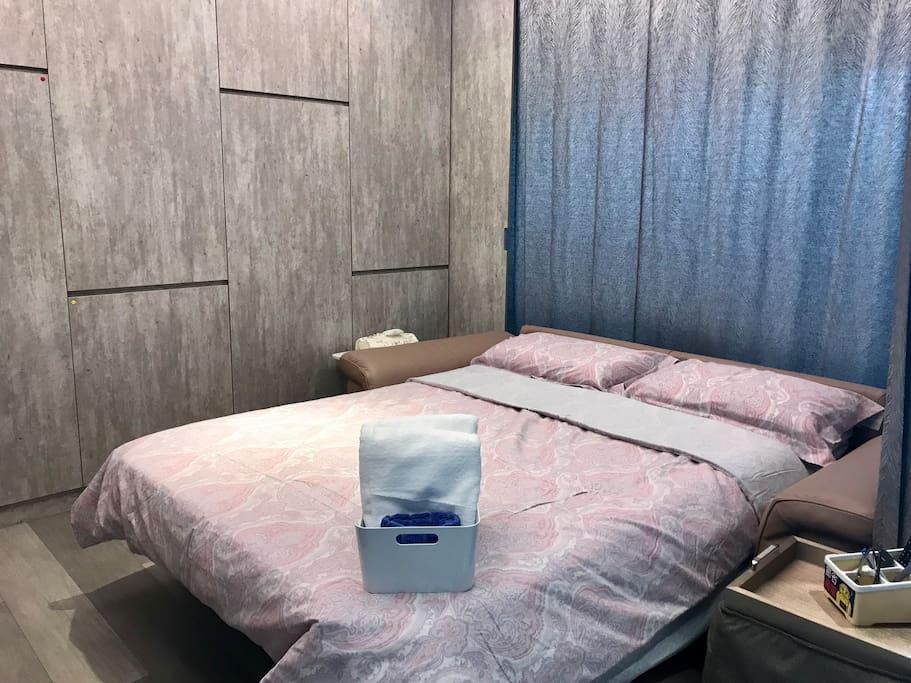 進口高級沙發床/名家設計非常舒服哦!