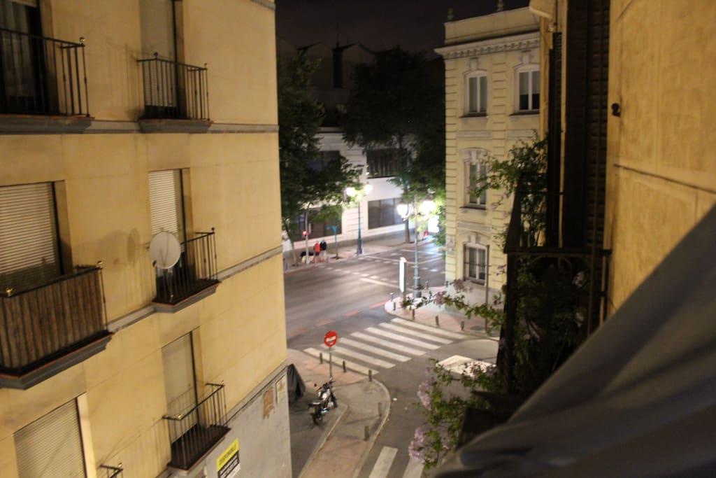 Vista a la calle Bailén, cerca del Palacio Real