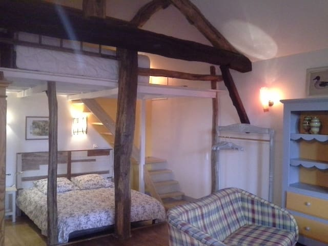 Belle chambre confortable - Meximieux - Bed & Breakfast
