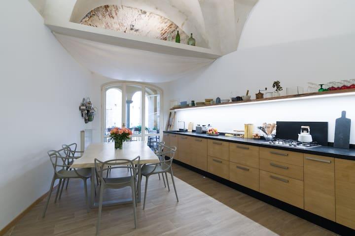 Casa di Odisseo.  Biker and Family friendly.