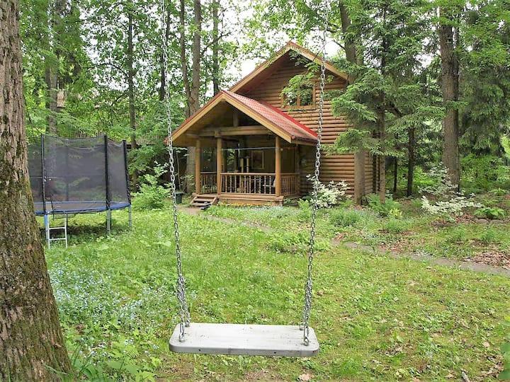 Два уютных лесных домика с баней для 4-5 человек