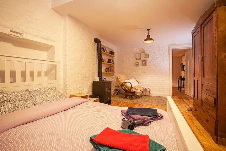 Contemporary 1 Bed Flat - Sofia - Apartament