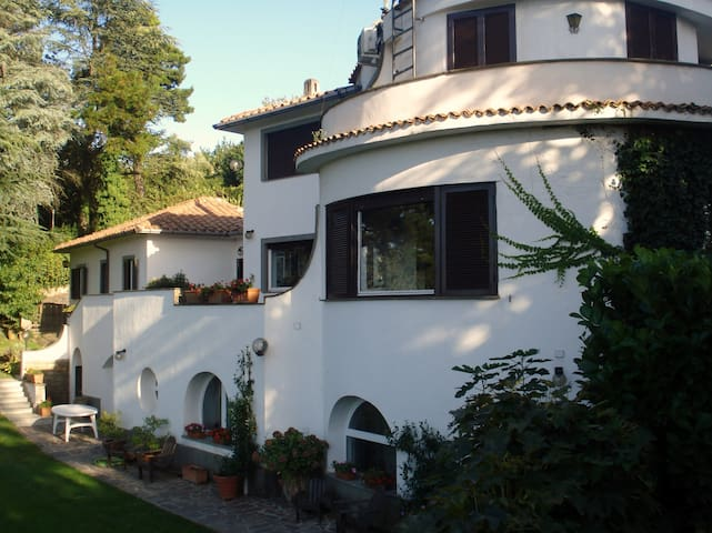 Penthouse in villa with pool Rome N - Formello - Appartement
