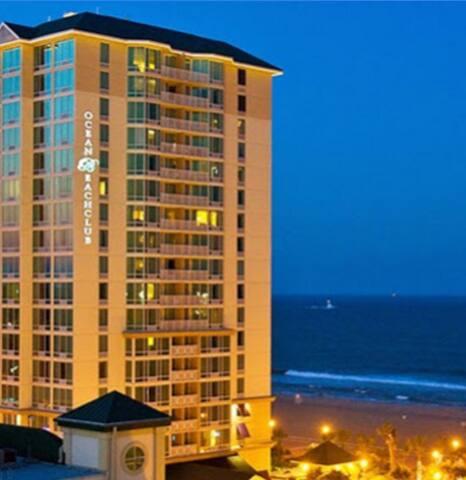 Ocean Beach Club-Beach Front Resort - หาดเวอร์จิเนีย