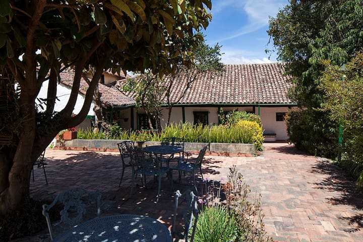 Hacienda Atma Suesca