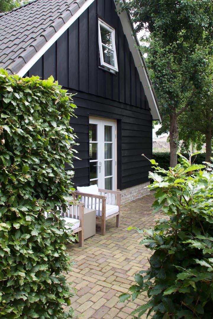 """Coronavrij """"Het Buitenhuis"""", luxe cottage Kampen-Z"""