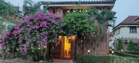 Palm Villa - Cheerful residential home in Bolpur