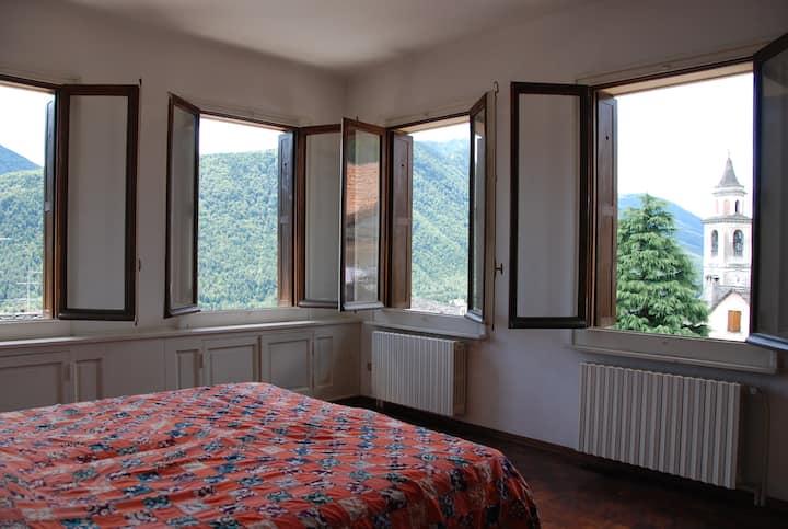 Large Sunny Villa | Vocogno