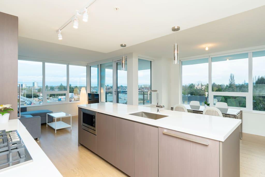Brand New Luxury Condo With Brand New Furniture Appartementen Te Huur In Ri