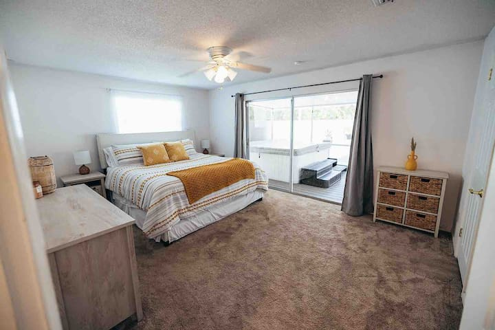 Bedroom 5 - King with private bathroom, walk-in closet and access to spa