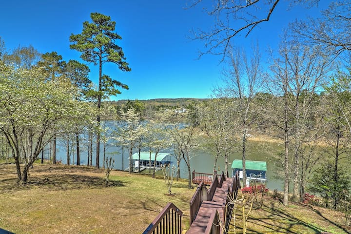 New! 4BR Edgemont House - On Lake w/ Boat Access!
