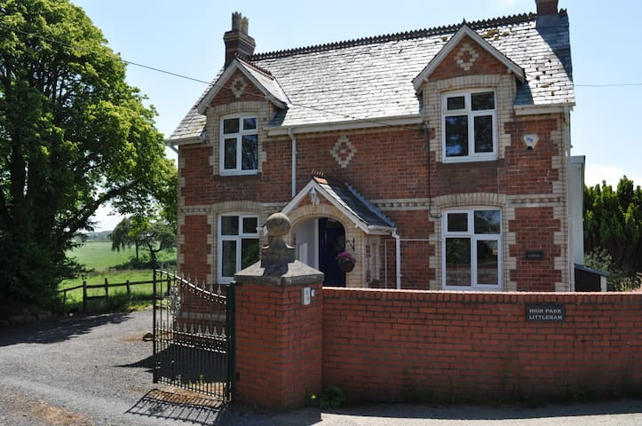 Lodge House at High Park with Shared Indoor Pool - Bideford - Rumah