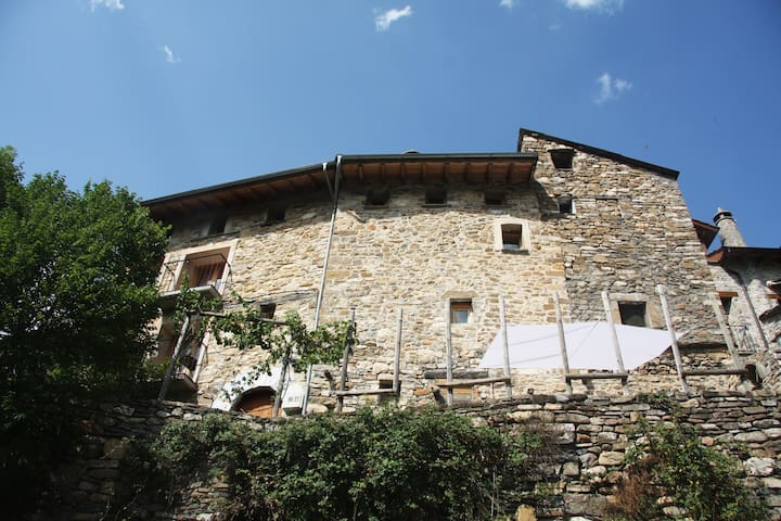 HOUSE OF DREAM PYRENEES ARAGON - Puyarruego - Haus
