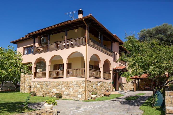 Vetrinos Luxury Apartments - Agios Nikolaos - Apartment