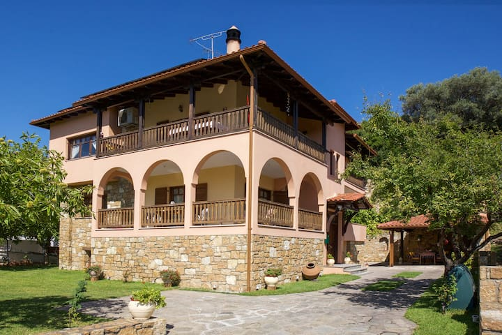 Vetrinos Luxury Apartments - Agios Nikolaos - Apartament