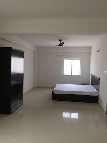 Nandeshwari003 - Bodhgaya - Haus