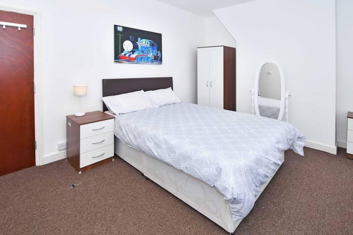 Townhouse @ 66 Rose Street Stoke - Double Room