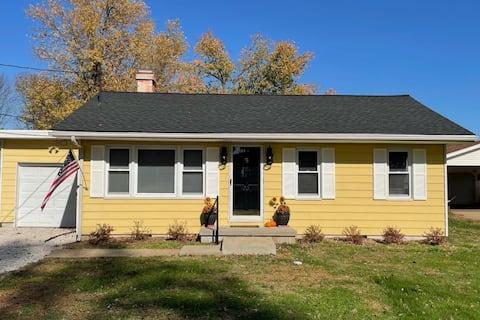 Newburgh Yellow Comfy Cottage