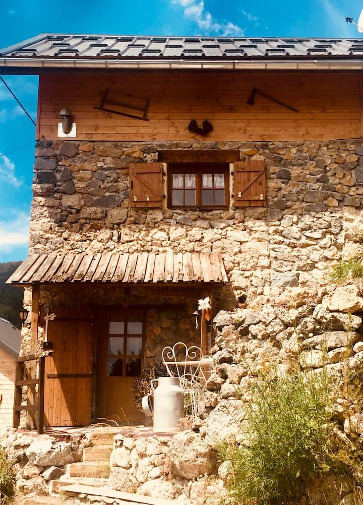 Maison en pierre et bois Le Flamar