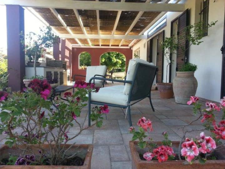 DELICIOUS HOMEGARDEN, WITH BBQ, FIREPLACE, PORCH