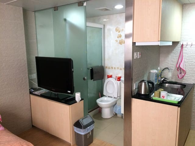 Whole 3 bedrooms apartment for 11 - Hong Kong - Appartement
