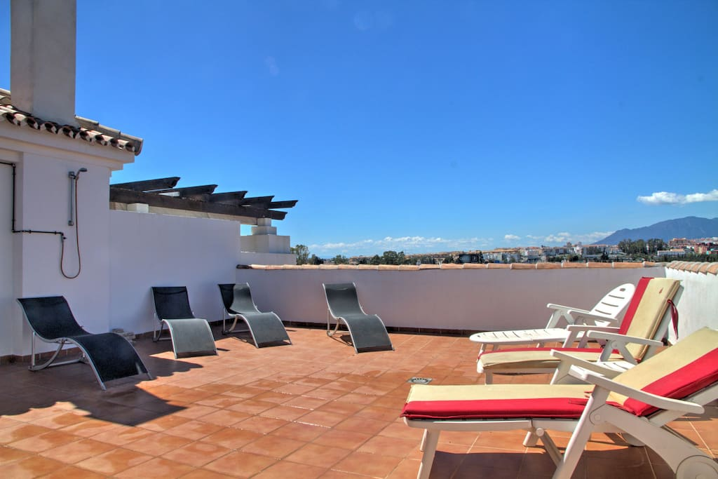 Great roof top terrace with sun loungers and great views