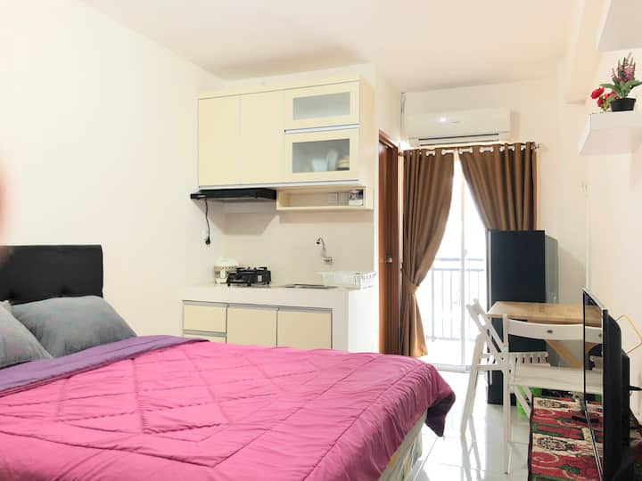 Comfy Studio Room Type - Cinere Resort Apartment