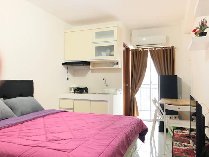 Comfy Studio Room Type - Cinere Resort Apartment