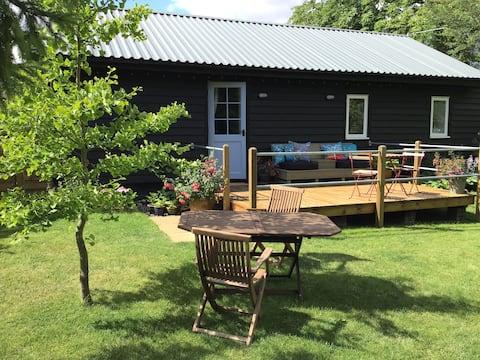 Horseshoe barn @ cherrytree farm…banyards green