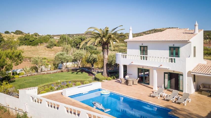 Villa with free Wi-Fi   A/C   private pool [can be heated]   garden [RVDB01]